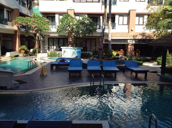 Phi Phi Palm Tree Resort: Pool view from room