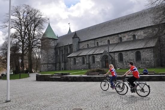 Stavanger Tourist Information Office: Location right beside the Cathedral