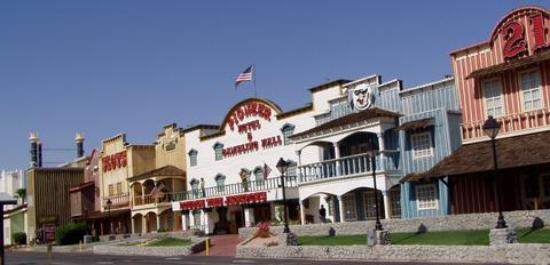 Pioneer hotel and gambling hall website du lac casino