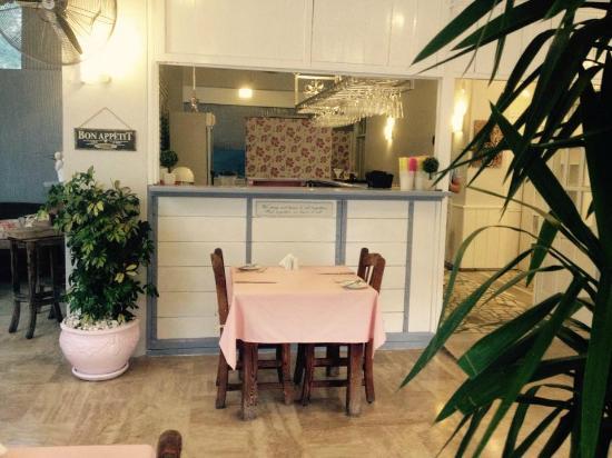Wayside Restaurant & Bar: new look for 2015