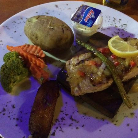 Mine Shaft Cafe : Mahi grilled