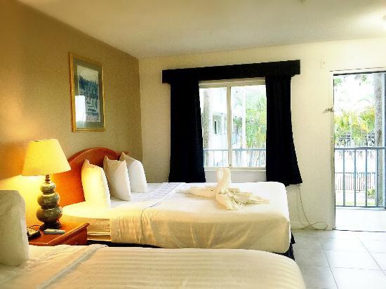 Lantern Inn & Suites