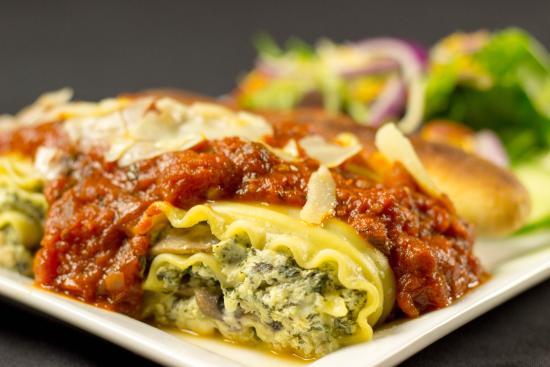 Hilton Lexington Suites: Lasagna Rolls
