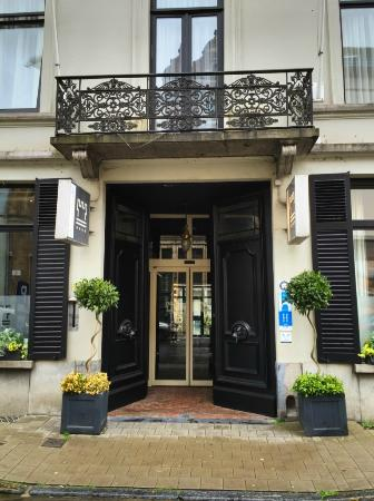 Courtyard Picture Of Hotel De Flandre Ghent Tripadvisor