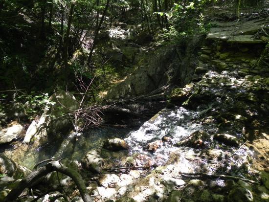 Castiglion che Dio Sol Sa: cascata