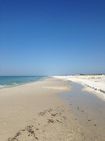 El Matador: Down the beach...it's the last condo!