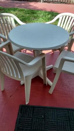 Florida Vacation Villas: Outside patio table
