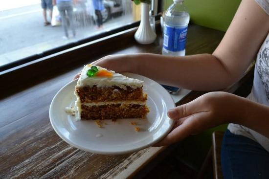 Bear's Paw Bakery: Huge slice of carrot cake