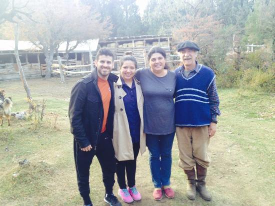 Cabalgatas Haneck: Us with Chango and his wife!