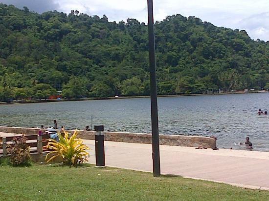 Chaguaramas, ตรินิแดด: view at midday