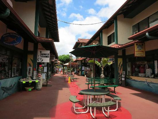 Ching Young Village Shopping Center: なかなか素敵