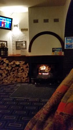 Open fire, Excellent wines, $10 dinners