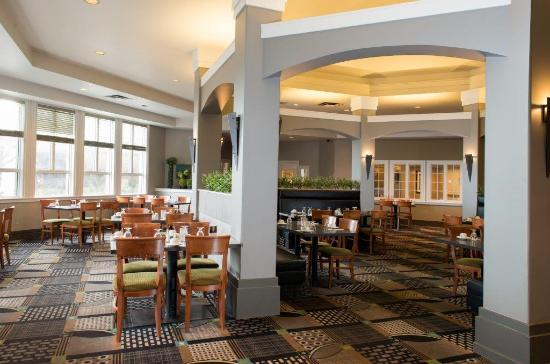 Executive Royal Hotel Regina: Steel's Cafe and Grill