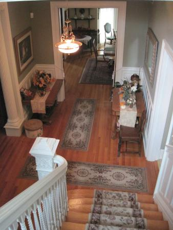 Hawthorn, A Bed & Breakfast: Hawthorn Foyer from Front Stairs
