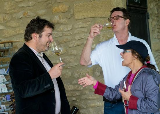 Wine in Provence Tours : Michael leading the tasting
