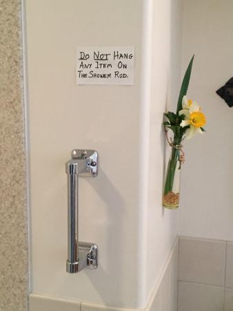 Longwood Bed & Breakfast Inn: Every room has these helpful notes
