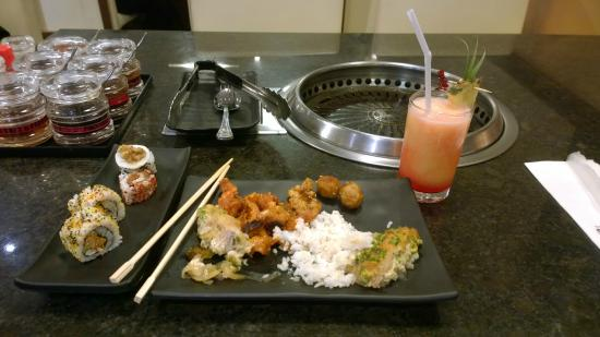 Sambo Kojin : A selection of the food I picked up on the buffet table
