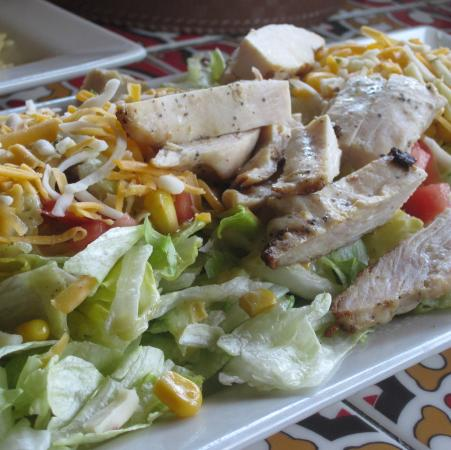Chili's Grill & Bar: Grilled Chicken Salad