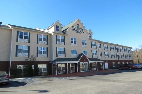 Country Inn & Suites By Carlson, Dothan: view from parking lot