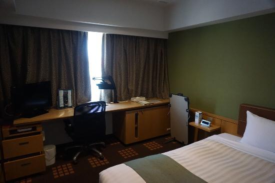 Tachikawa Washington Hotel: 予約した部屋。。。。清潔でとても寝心地もよいです。