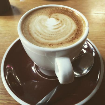 Affogato Espresso Bar: Flat white