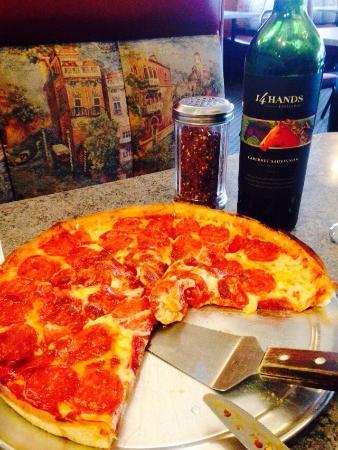 Pacific Pizza: photo2.jpg