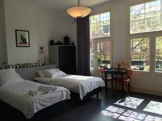 The Collector Bed & Breakfast: Nice bedroom
