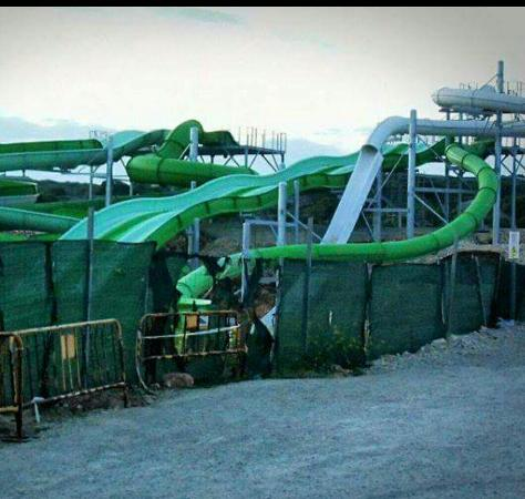 Sant Lluís, España: These pics of the new water park were taken 4th may. Yet first choice keep saying it will be rea