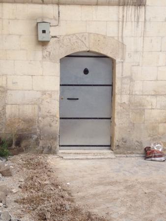 Lizbon Guesthouse: Porte d'entrée, sans enseigne/ plaque...