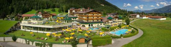 Hotel Seehof: Außenansicht Sommer