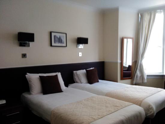 Kelvingrove Hotel: My room