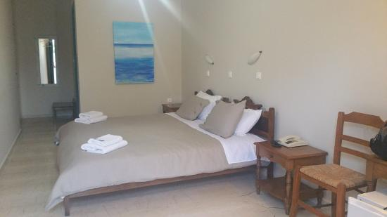 The Boathouse Hotel : Poolview room
