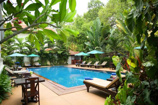 Chateau d'Angkor La Residence: Swimming Pool