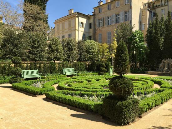 Le centre d 39 art de caumont picture of hotel de caumont - Hotel de caumont aix en provence ...