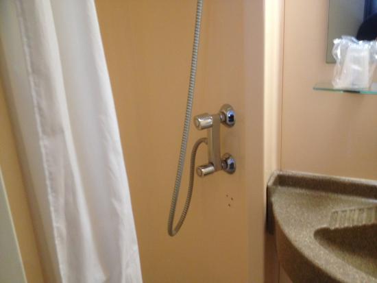 Hotel Columbus: Toilet/Bathroom