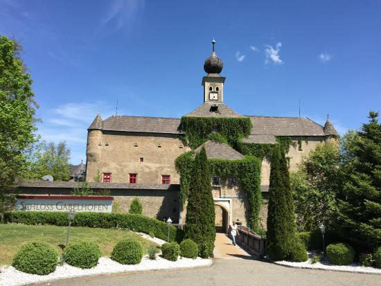 Schloss Gabelhofen: Welcome to the Schloss