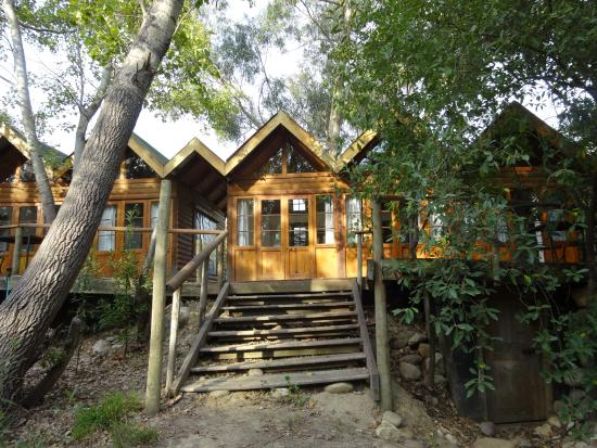 Otter's Bend Lodge: Cabin from the outside