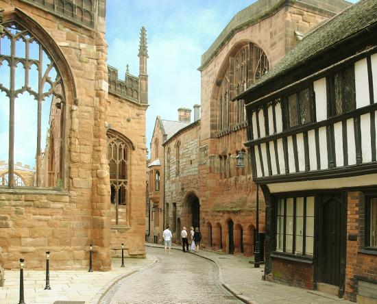 ‪‪Coventry‬, UK: St Mary's Guildhall and Bayley Lane‬