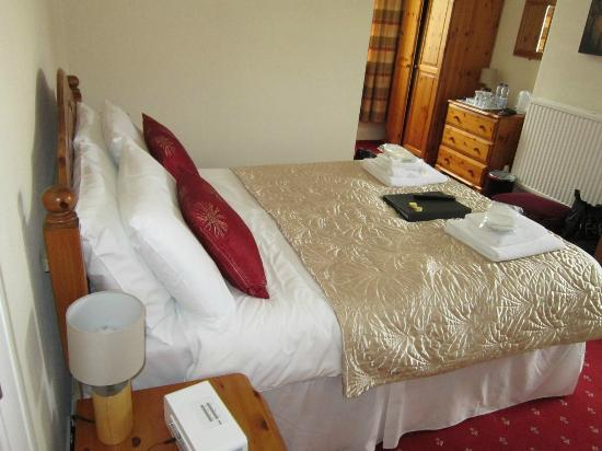 Cleave Court Bed & Breakfast: Double room bed