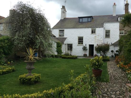 Churchbank Bed and Breakfast : House from garden