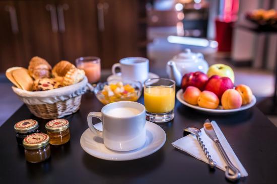 Hotel Garance: Breakfast