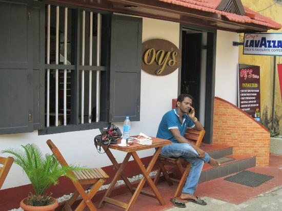 Oy's la Homestay: One of the nice brothers