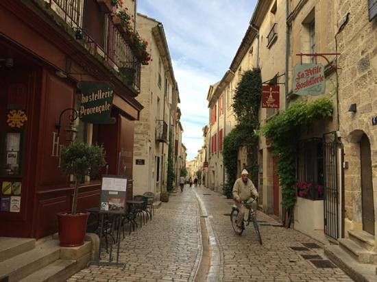 Hostellerie Provencale: Outside the hotel