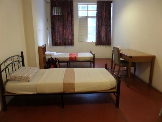 K.H. Soon Resthouse : ห้องพัก ห้องน้ำรวม แอร์ 35 SGD