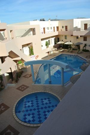 Delfina Art: piscines vues de la chambre