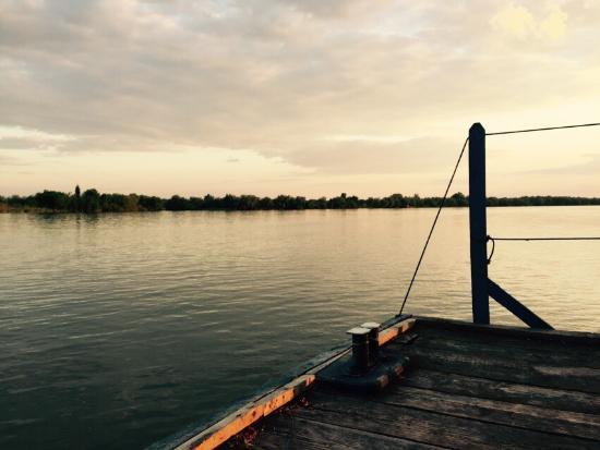 Pelican-City: photo1.jpg