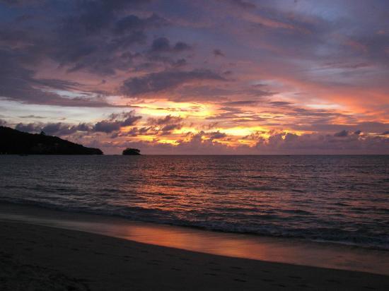Nai Yang Beach Resort and Spa: Пляж, чудесные закаты!