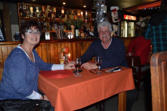 Joplins Pub and Steak Grill: Romance is in the Air-again......