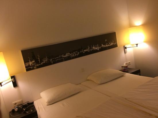 H4 Hotel Hamburg Bergedorf: Room1