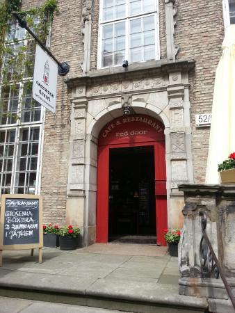 The Red Inn : Red Door